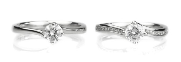 Twist-Setting-Rings-Plain-Diamond-Shoulders