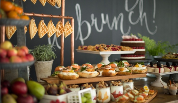 Warm-Brunch-Menu-as-Alternatives-to-Wedding-Cake