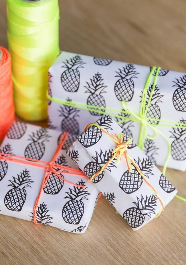 printable-wrapping-paper-pineapple_thumb