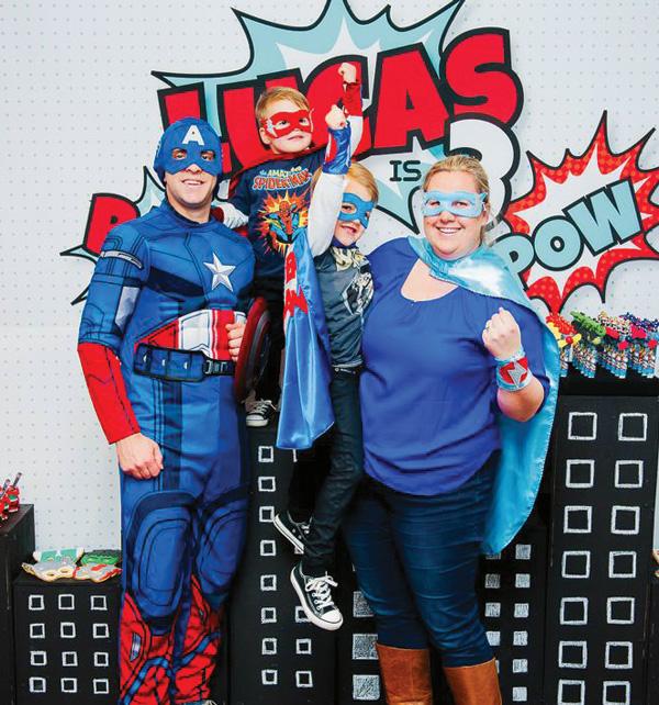 20-superhero-family-party