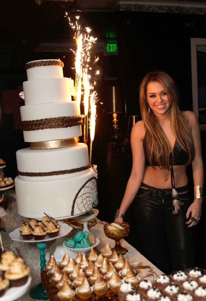 Miley-Cyrus-18th-birthday-party-photo