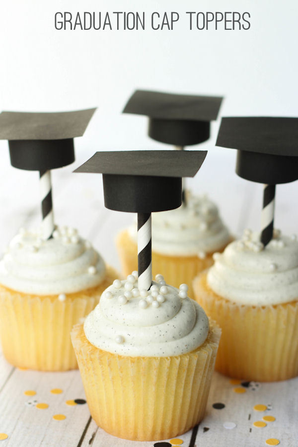 graduation-toppers-and-straws-4