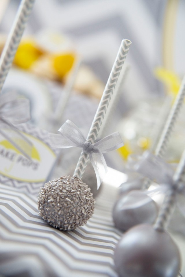 glitter-cake-pops-640x959
