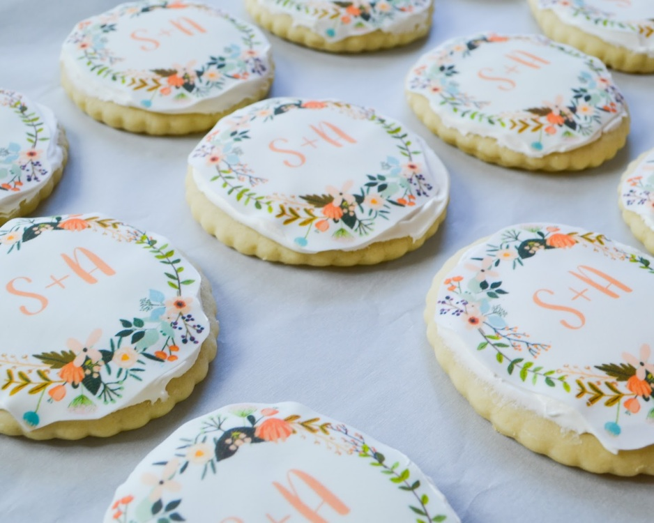 Easy-Monogram-Wedding-Cookies-11