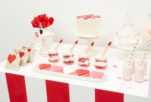 Kissing-Booth-Valentines-Day-Party-via-Karas-Party-Ideas-KarasPartyIdeas.com3_