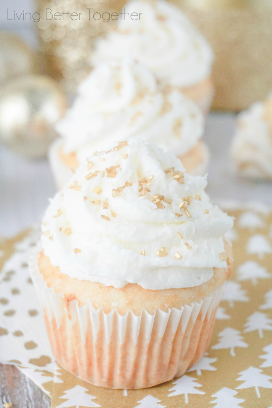 coconut-champagne-cupcakes54.jpg