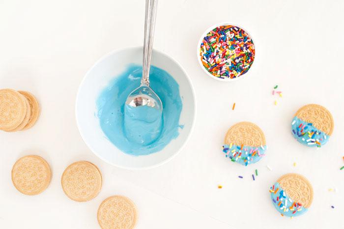 Confetti+Oreos+|+Sprinkles+for+Breakfast.jpeg