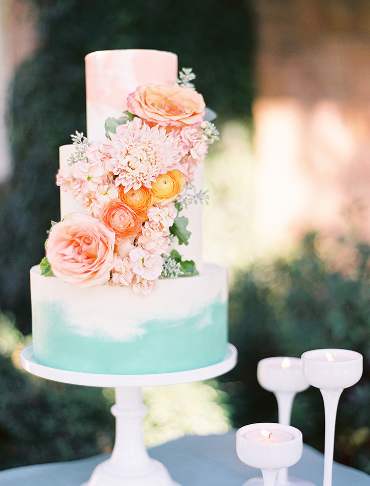 custom-wedding-cake-painted-watercolor-cascading-flowers-sugarbeesweets-2.jpg