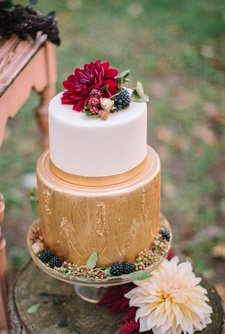 Fall-Wedding-Cakes-Ashley-Bosnick-Photography.jpg