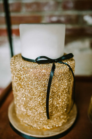 gold-wedding-cake-1.jpg
