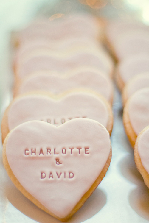 custom-wedding-cookie-favors.jpg