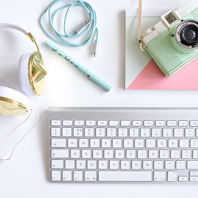 Feminine-desktop-still-life-stock-photography-0001.jpg