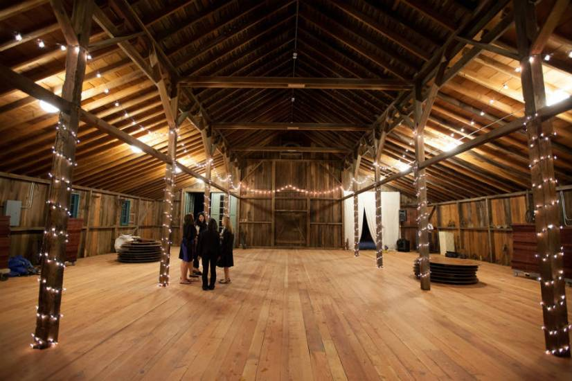 jc-wedding-barn-empty
