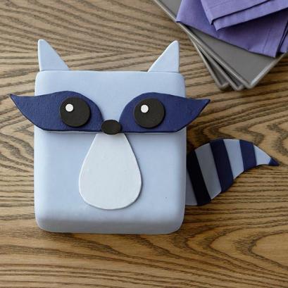raccoon-bandit-cake-large (1)