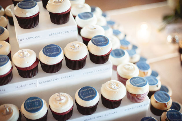13Timeless-Seaside-Wedding-Southampton-New-York-Petruzzo-Photography-Georgetown-Cupcakes.jpg