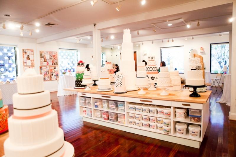 baltimore-wedding-cake-Charm-City-Cakes-Astrid-Photography-4.jpg
