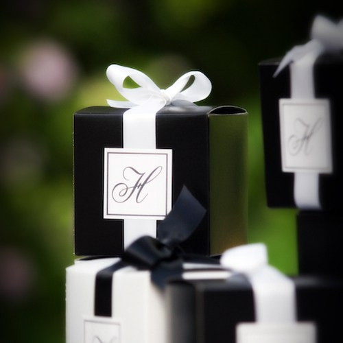 black-and-white-wedding-decoration.jpg
