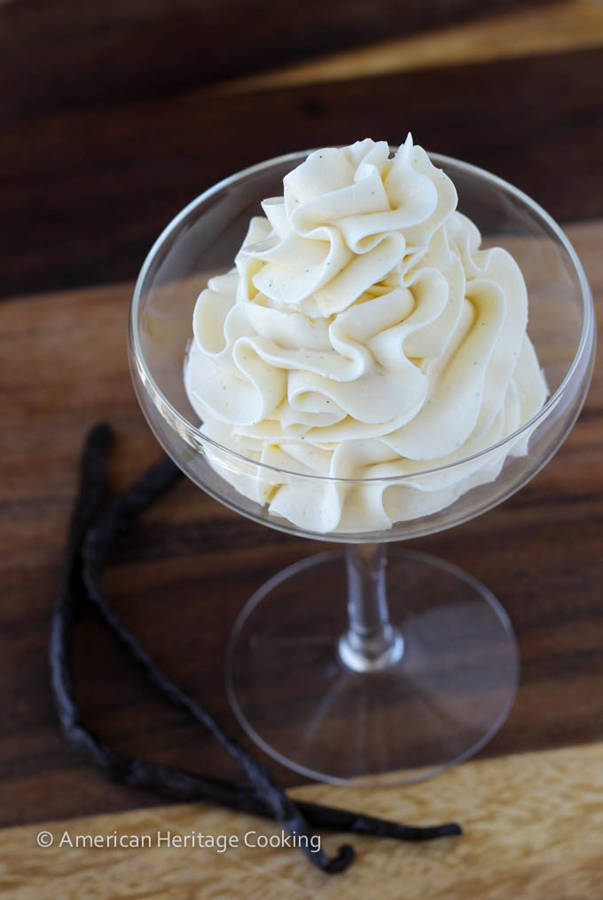 Vanilla-Bean-Swiss-Meringue-Buttercream-1408130596