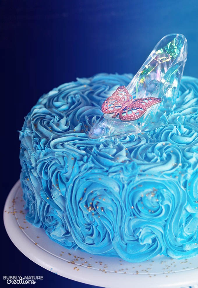 Cinderella-Cake-with-Glass-Slipper.-Easy-cake-decorating-technique-for-a-beautiful-cake-
