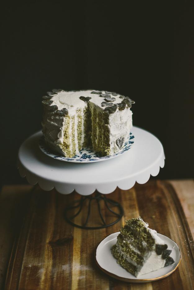 black-sesame-vertical-roll-cake-matcha-mochi-le-jus-dorange-16(pp_w625_h935).jpg