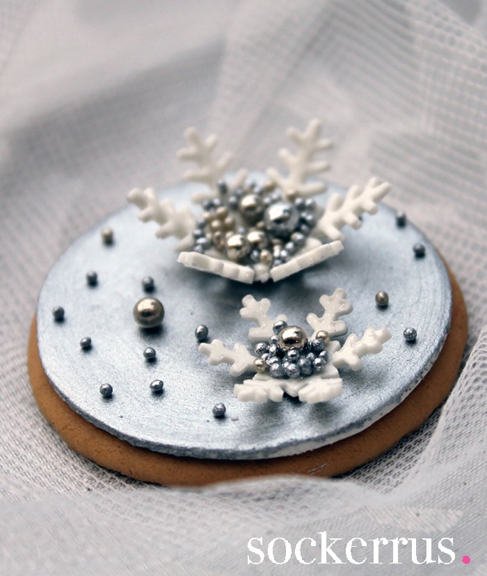 cookie-with-snowflake-by-sockerrus-the-sweet-blog.jpg