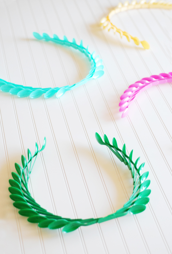 DIY-laurel-wreaths.jpg
