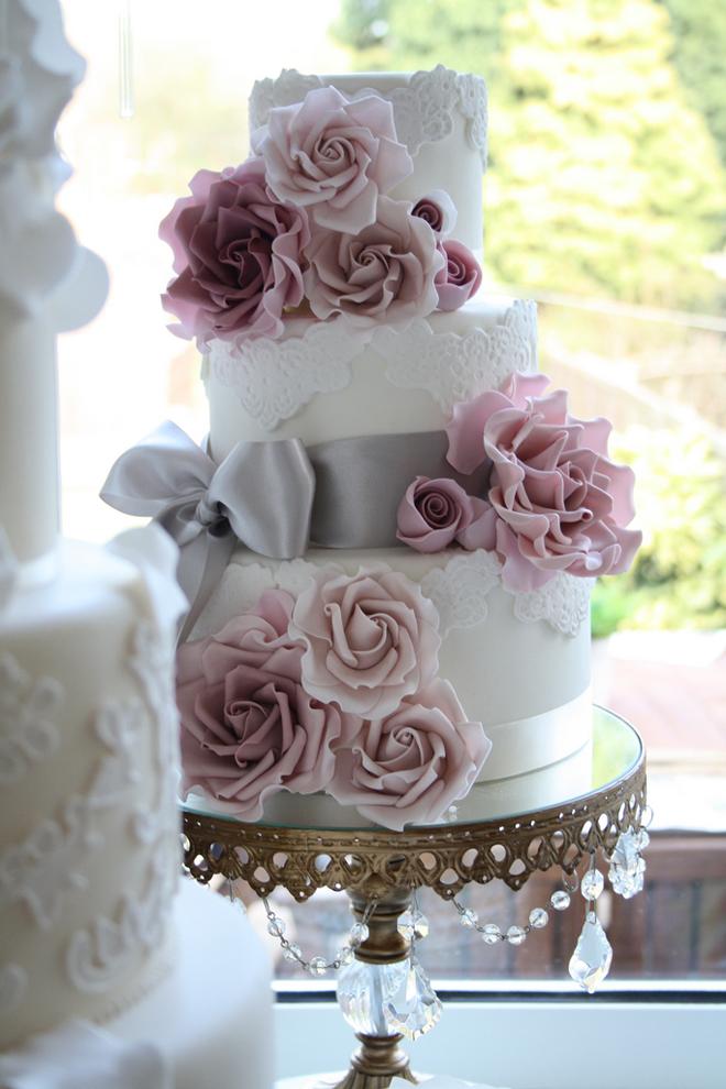 wedding-cakes-lace-vintage-12.jpg
