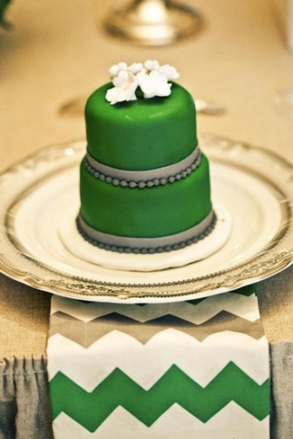 40-trendy-emerald-green-wedding-ideas-21-500x750