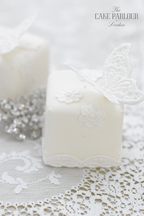 lace-butterfly-mini-cakes