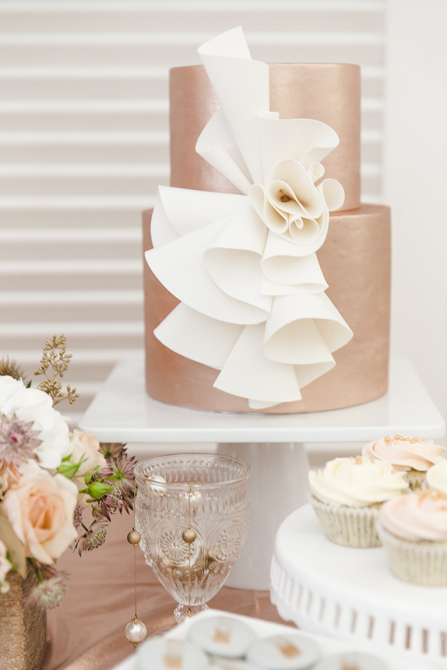 Mixed-Metallics-Wedding-Shoot-Chen-Sands-Photography-The-Wedding-Scoop-Bridal-Musings-Wedding-Blog-21.jpg