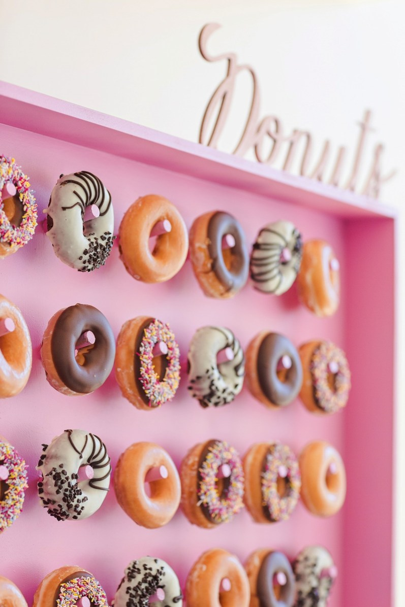 wpid426117-kalm-kitchen-donut-wall-catering-11