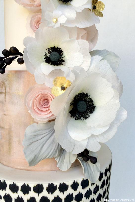 black_white_anemone_2.jpg
