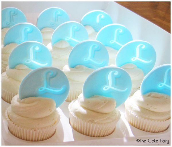 howtomakemonogramtoppersforcupcakes4
