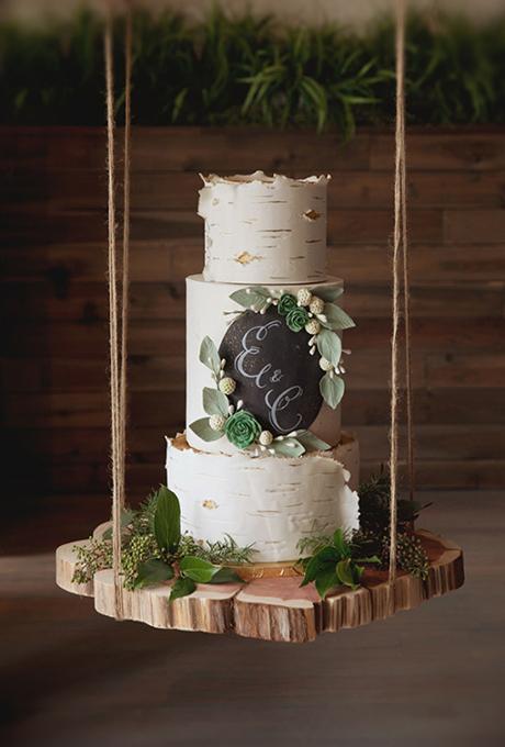 rustic-wedding-cakes-city-savvy-imaging.jpg