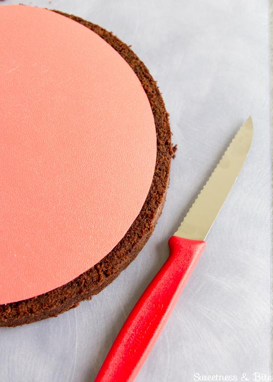 How-To-Ganache-a-Cake-1.jpg