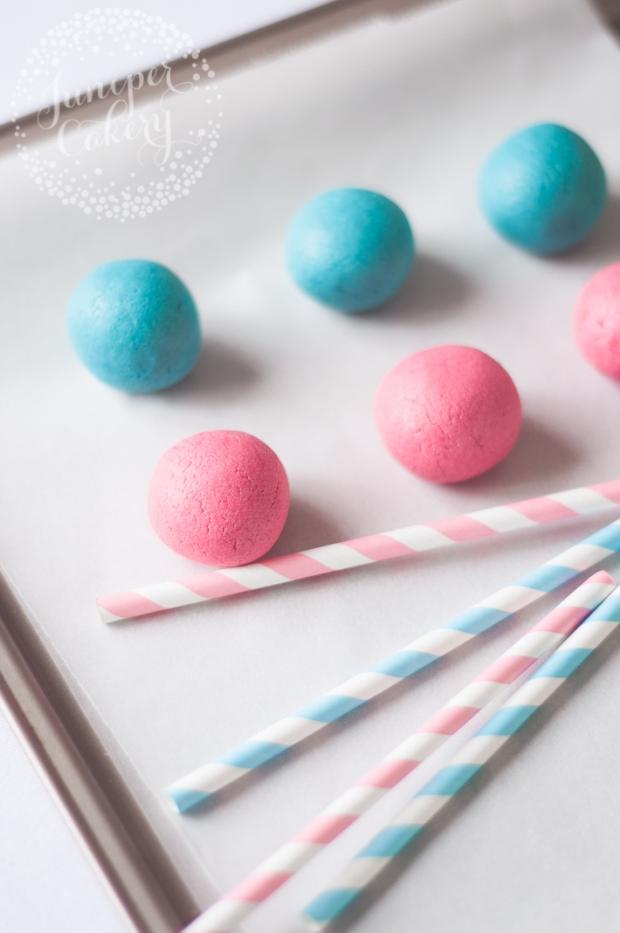 gender-reveal-cakepops-juniper-cakery-3