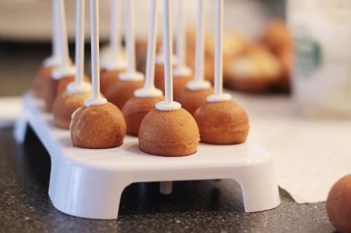how-do-you-make-cake-pops1-500x333.jpg
