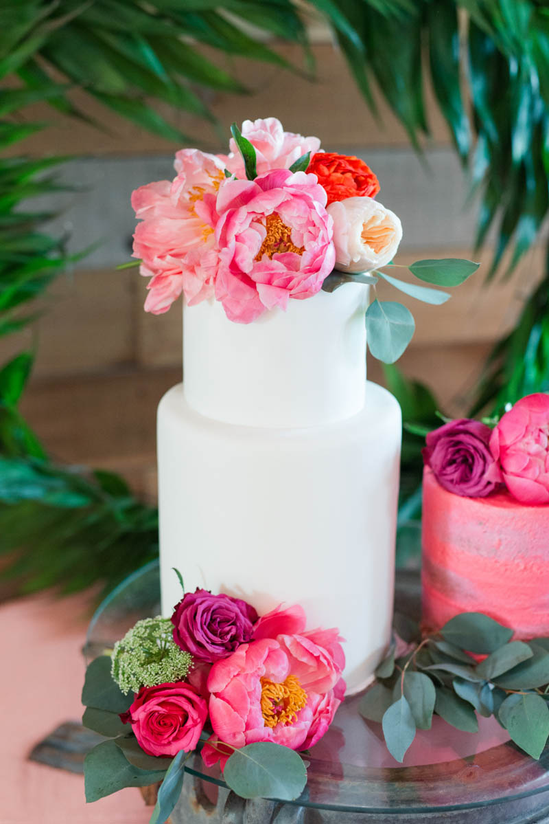 BOLD-VIBRANT-HOT-PINK-CORAL-BOHEMIAN-STYLING-WEDDING-IDEAS-12.jpg