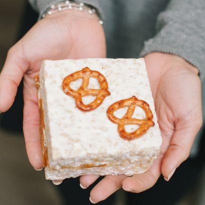 choose-your-own-marshmallow-crispies-8-pack.b268d92b11523616dc5203412e4a239a.jpg