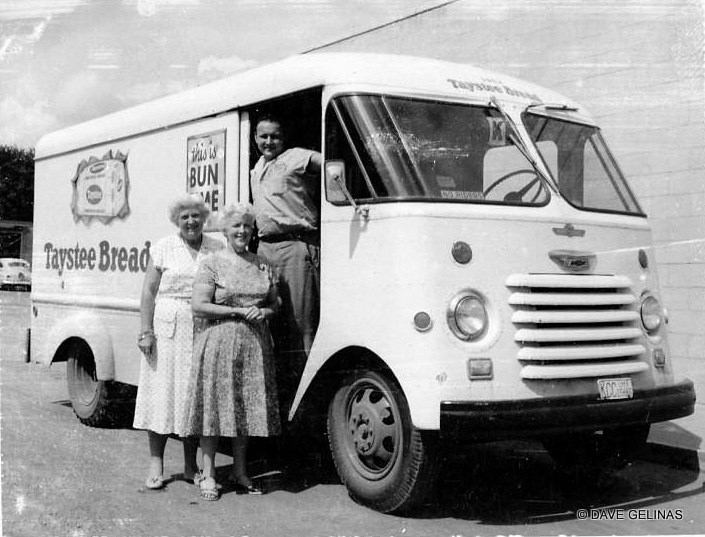 Vintage Bakery and Bread Truck (24)