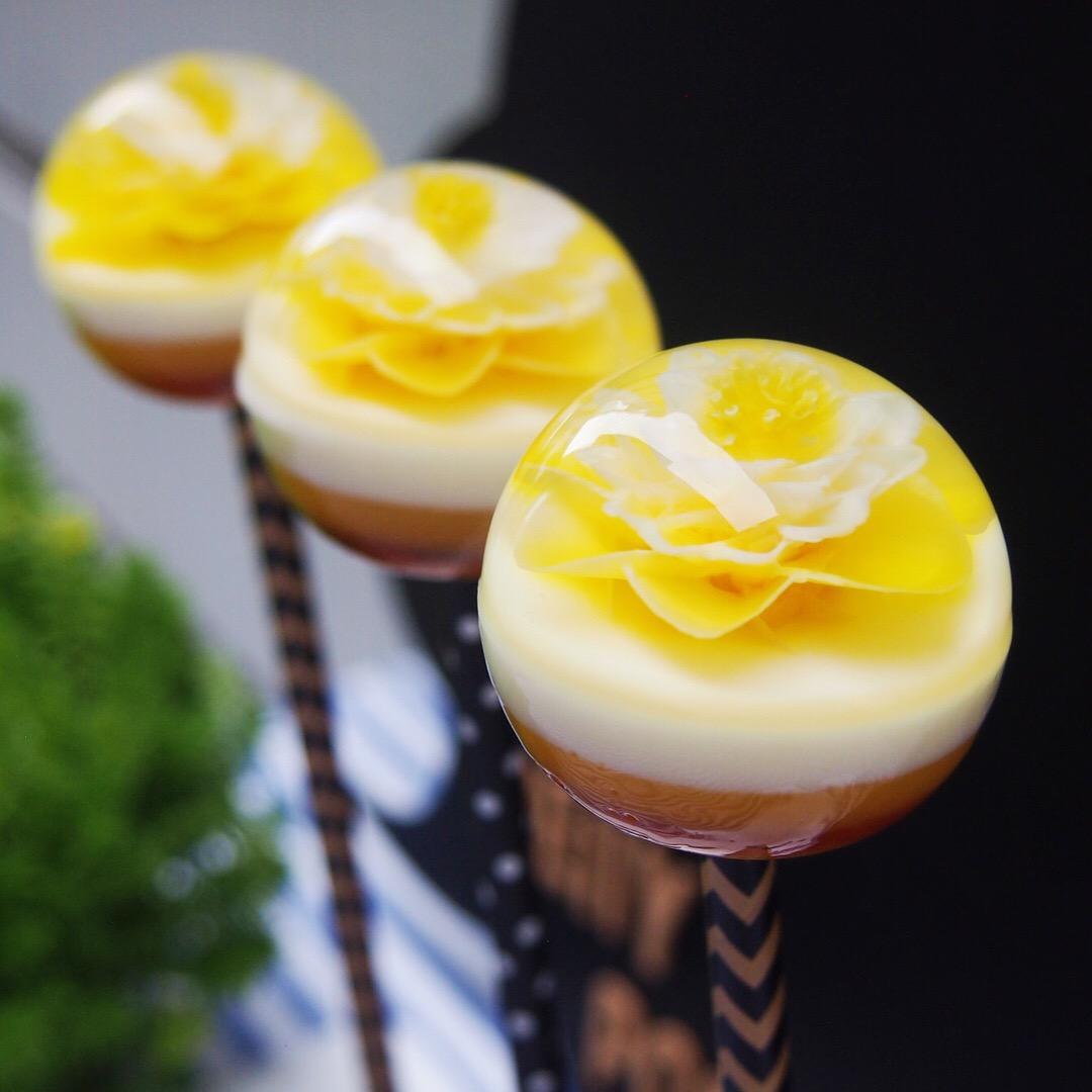 TENDENCIA: LOS FLOWER JELLY POPS.  LOS CAKE POPS DE GELATINA ARTÍSTICA DECORADA