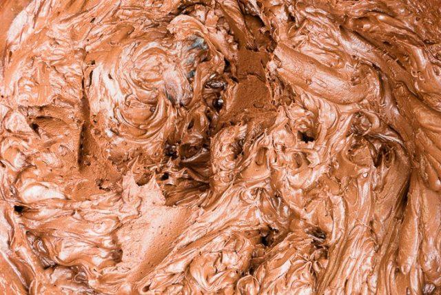Vegan_chocolate_mousse_cake_step7-720x481